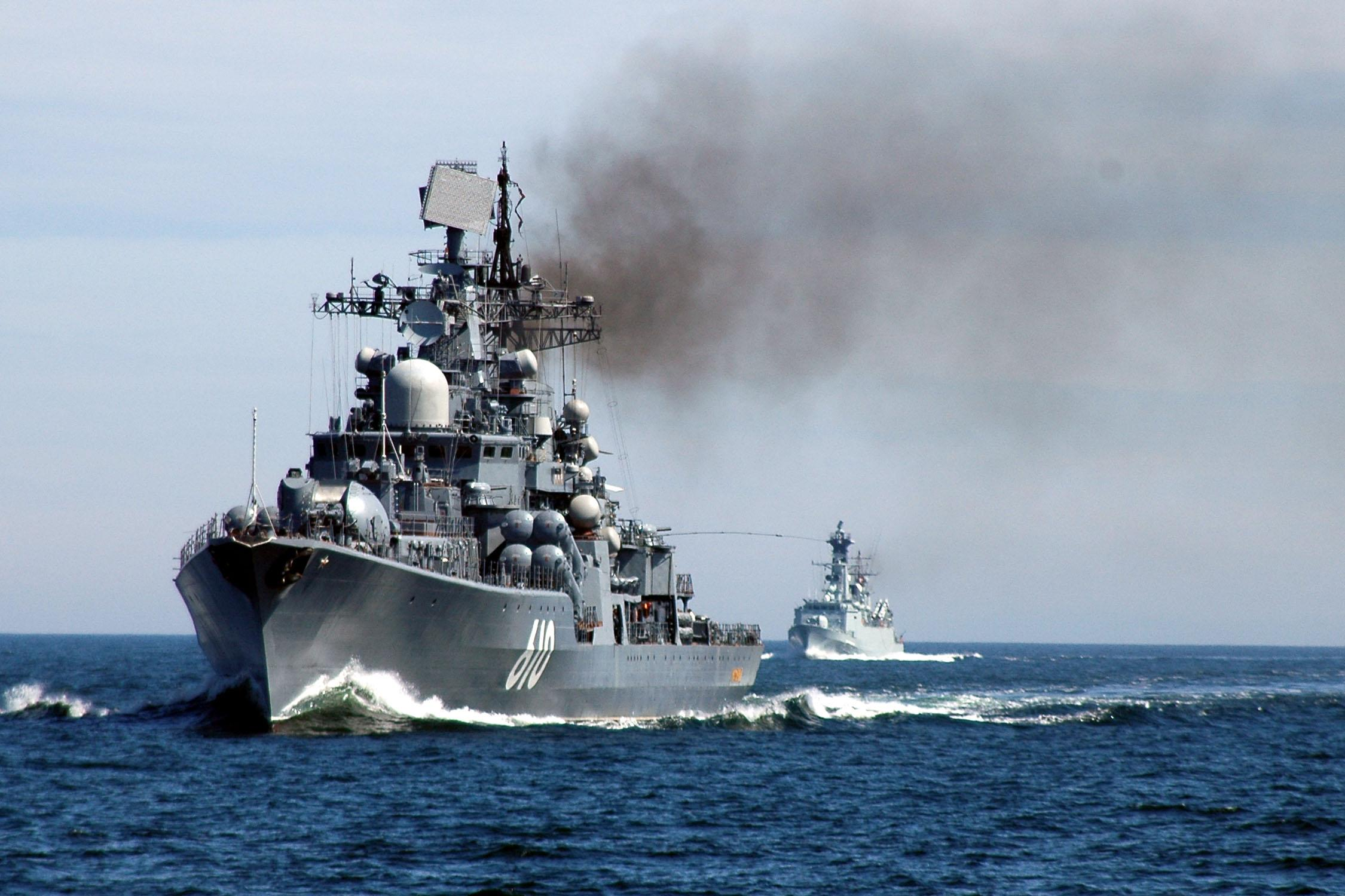 Russian Warship Steams Toward Us Destroyers That Launched